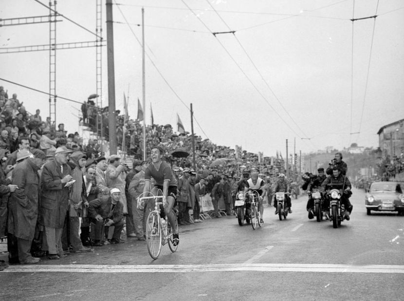 Simpson out-sprinted breakaway companion Rudi Altig to win the 1965 world pro road race title
